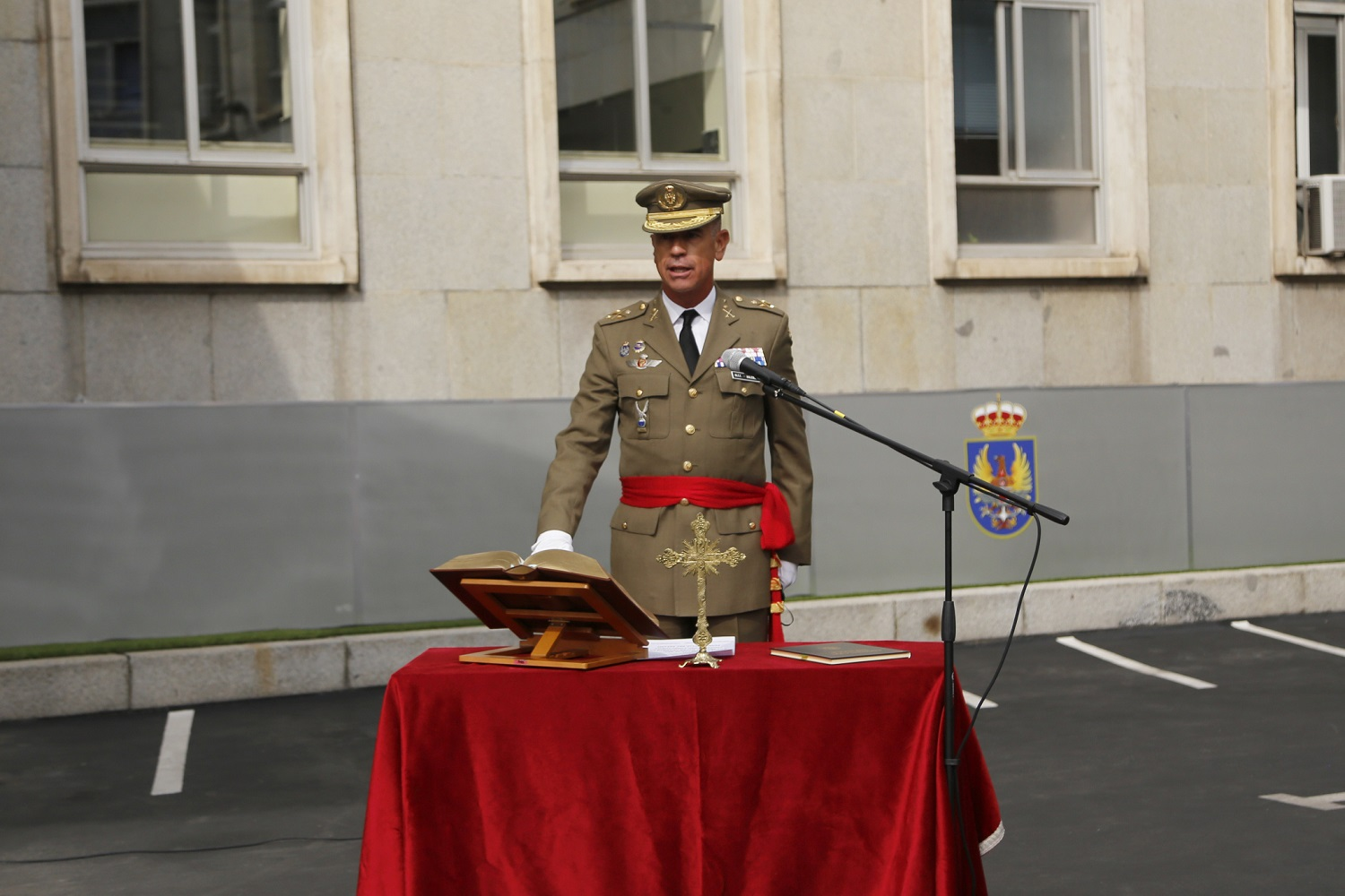 Incoming Chief of Joint Staff swearing in