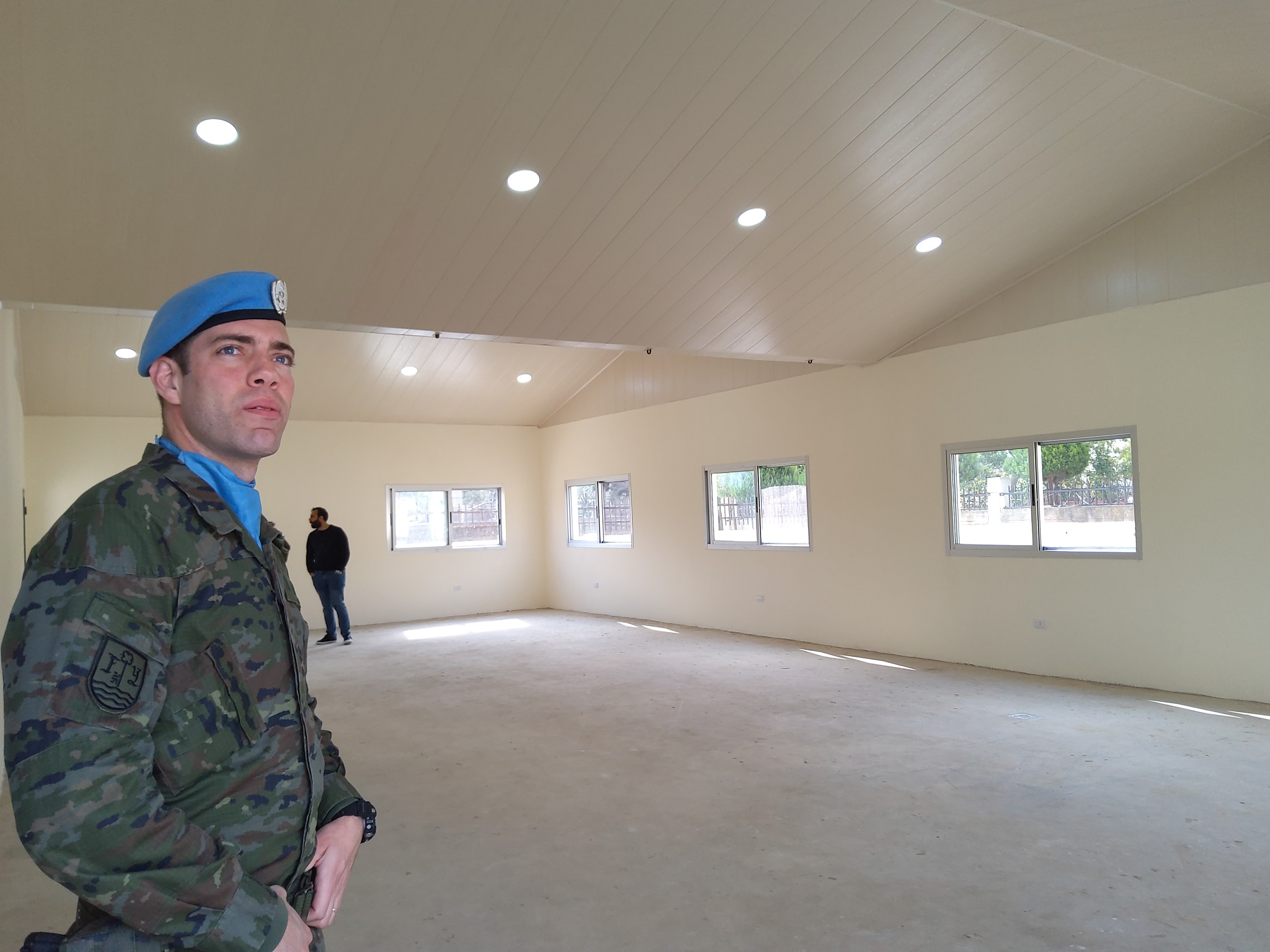 Spanish military personnel inaugurate new classroom in Lebanese school