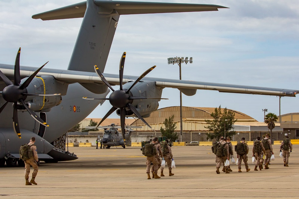 Spanish and foreign military personnel return from Mali after temporary cessation of activities due to COVID-19