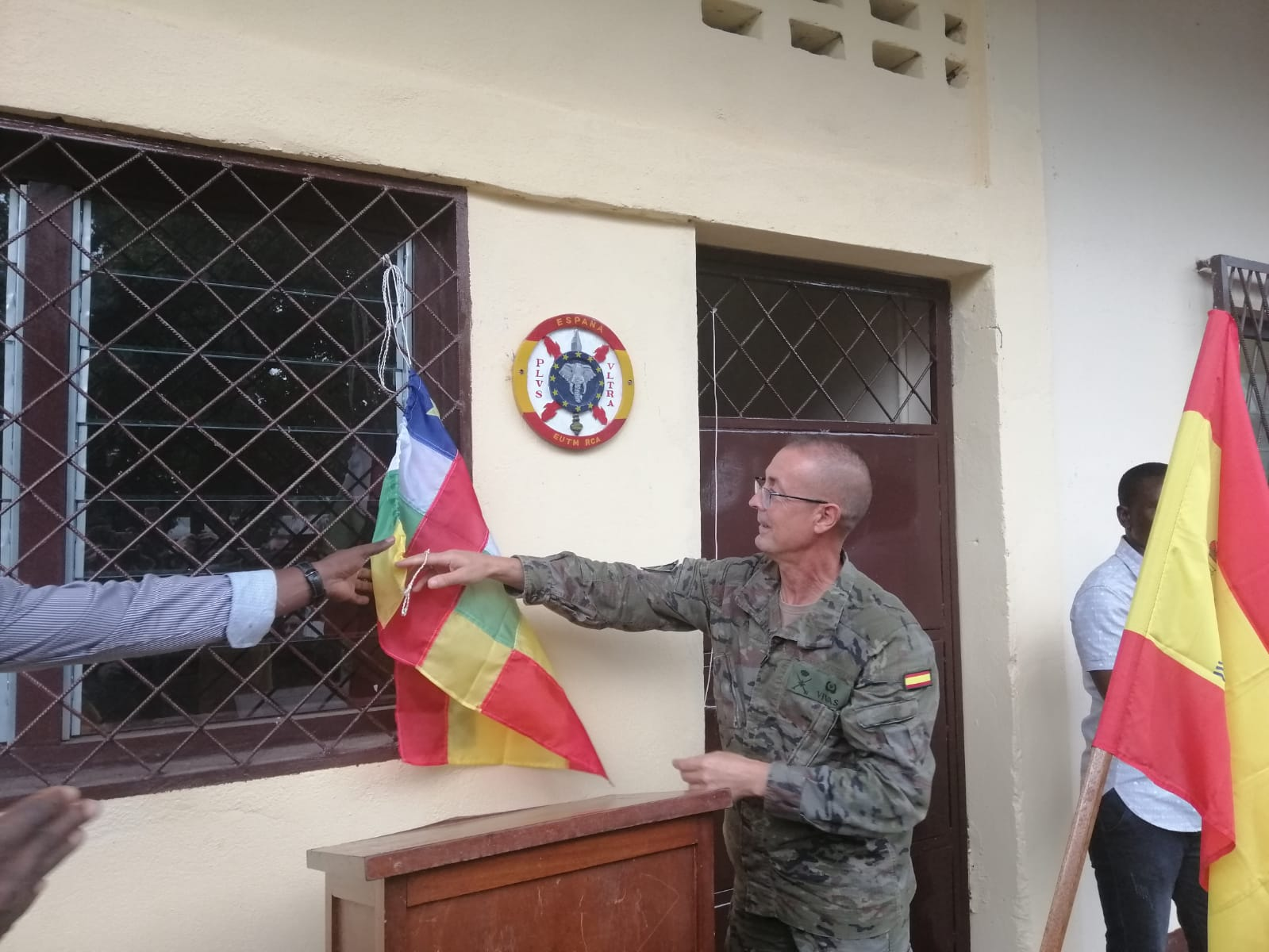 Spanish soldiers inaugurate a classroom at the Vocational Training Centre of Bangui