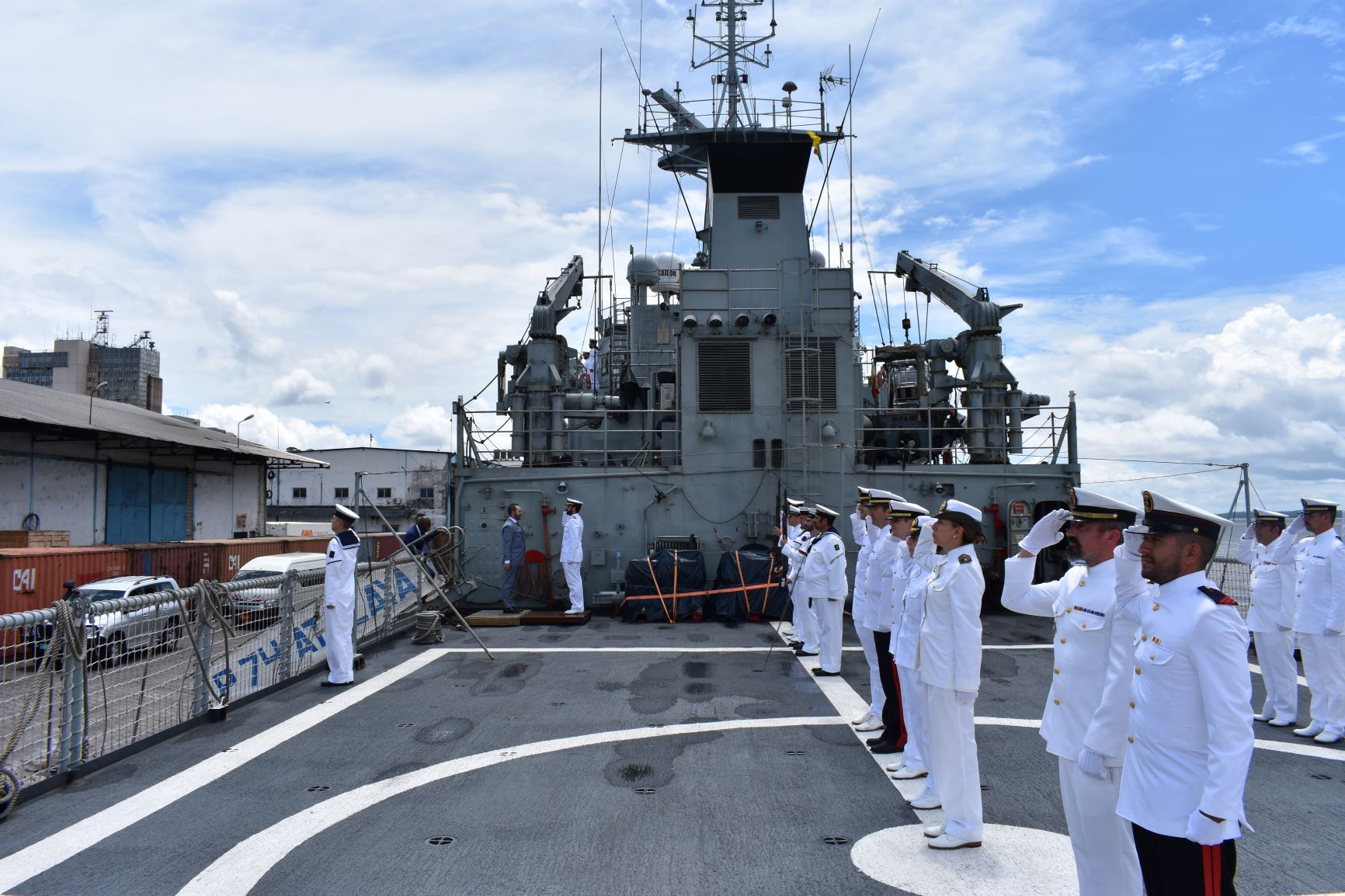 "The patrol boat ""Atalaya"" collaborates with the Cameroon Armed Forces in Douala"