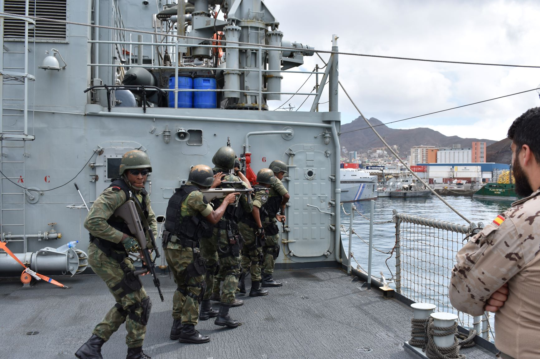 "The ""Atalaya"" patrol boat receives training with Cape Verdean Armed Forces"
