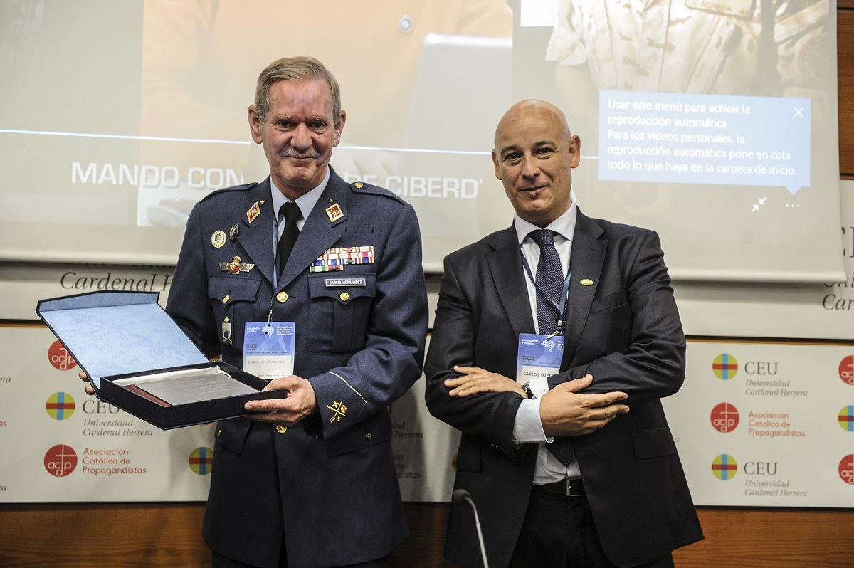 The Joint Cyber-Defence Command receives the second prize ISACA 2019 in the 'Information Systems Security' category