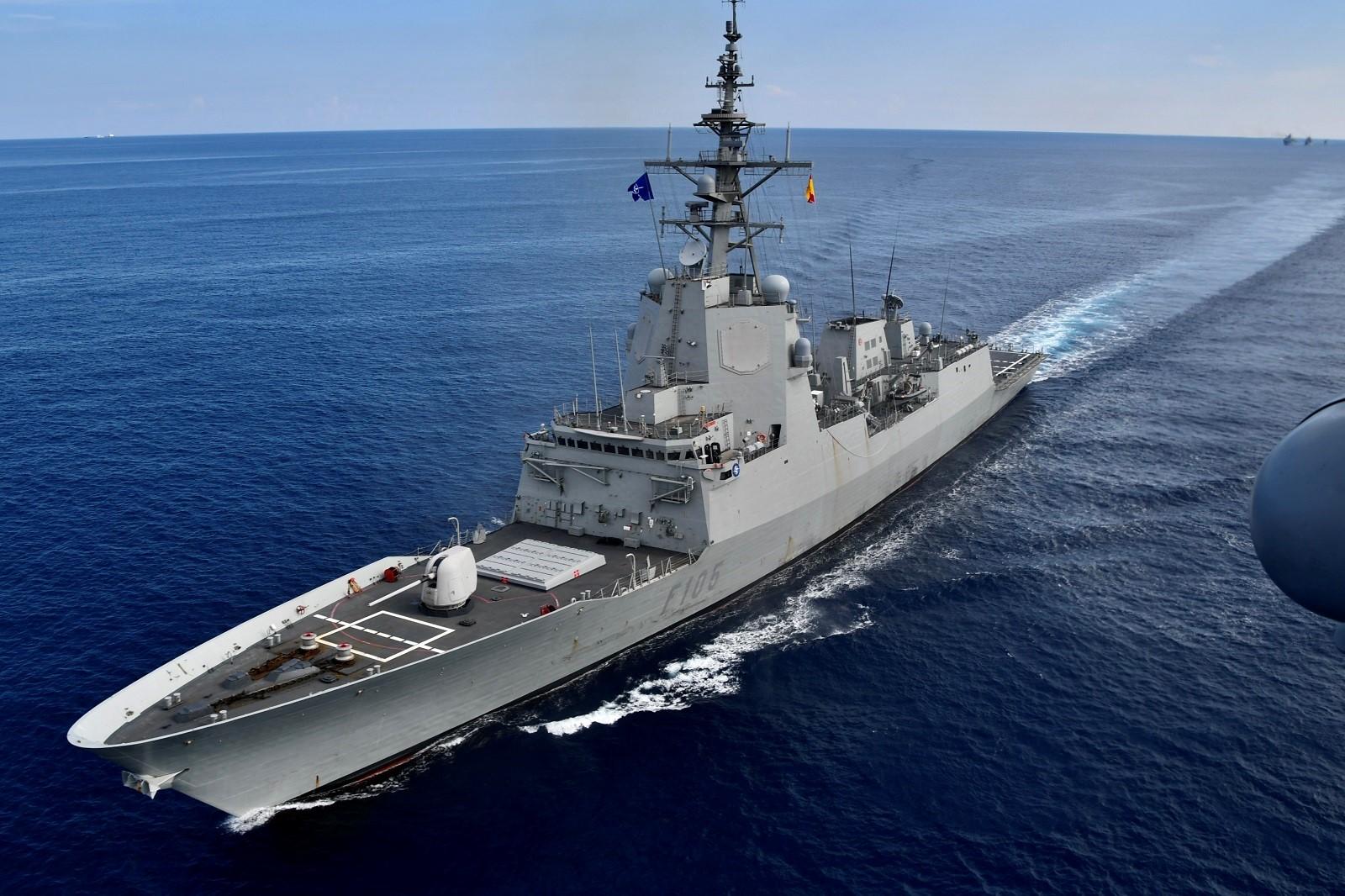 https://emad.defensa.gob.es/en/Galerias/operaciones/35-OTAN-Grupos-navales-permanentes/img/201218-cristobal-colon-navidad-ferrol-01.jpg